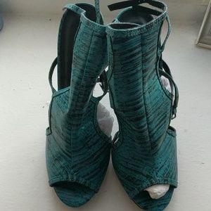 Qupid  turquoise/ black snake fabric size 10